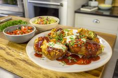 Pancetta, cheese, corn, chilli and potato all come together perfectly in this recipe from James Martin. James Martin Saturday Kitchen, Mexican Potatoes, Healthy Superbowl Snacks, Potato Vegetable, Mexican Food Recipes, Ethnic Recipes, Potato Skins, Potato Dishes, Meals For The Week