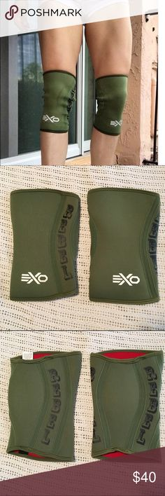 EXO knee sleeves Christmas Abbott inspired Exosleeves provide superior stability, warmth and compression to improve blood flow and reduce strain and swelling. Their anatomical pre-curved shape and closed patella design offer full knee coverage, which means complete 360º protection and a snugger, more natural fit. Made from durable 5mm anti-microbial neoprene,  constructed to withstand even the most vigorous workouts and resist odors in the process. Take your lifts, bends, squats, steps…