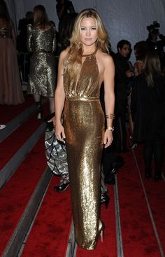The Best Met Gala Gowns Over the Years : Kate Hudson, 2009 9Stella McCartney)