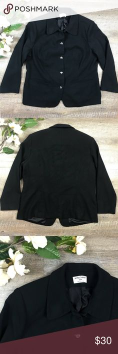 Alfred Dunner Blazer Classy black lightweight Alfred Dunner Blazer! In excellent condition. Size 18W. See image for measurements. K-11 Alfred Dunner Jackets & Coats Blazers