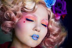 Effie Trinket inspired makeup and hair
