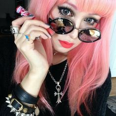 ✝☮✿★ COLORFUL HAIR & MAKEUP ✝☯★☮ Goth Girl Style