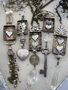 Vintage Jewelry Crafts It's not hard to make your own extremely chic and vintage looking jewelry at home. The magical formula is finding the right material to achieve this. Old keys are one of those items which can be…MoreMore Vintage Keys, Vintage Jewelry, Handmade Jewelry, Recycled Jewelry, Recycled Crafts, Vintage Necklaces, Vintage Heart, Vintage Silver, Vintage Style
