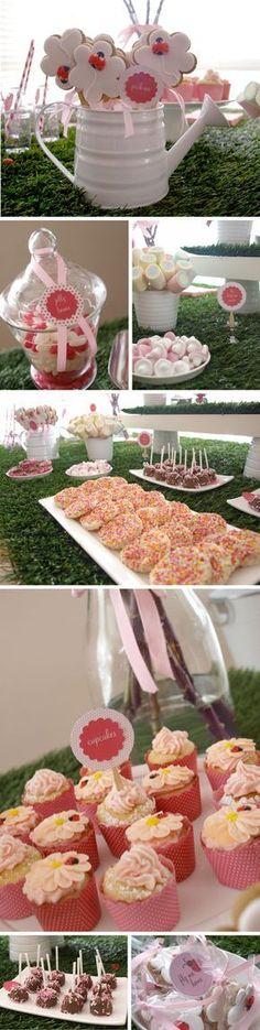me encanta la idea de la regadera con las galletitas