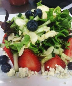 Feeling that lunch craving yet? Leo Bistro just added several new summer salads to its menu, including this Strawberry Salad: a blend of Baby Spinach and Spring Mix, Sliced Strawberries, Fresh Blueberries, Cucumber Sticks, Diced Red Onion, Sliced Almonds and Bleu Cheese Crumbles. Recommended with the Raspberry White Balsamic Dressing! Check out the Bistro's updated menu at www.daytonartinstitute.org/leobistro Caprese Salad, Cobb Salad, Blueberries, Strawberries, The Bistro, Spring Mix, Balsamic Dressing, Sliced Almonds, Baby Spinach