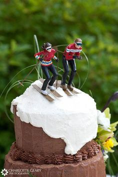 I am fairly certain that if Rach ever gets married, she will have this cake.