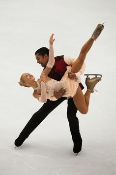 Aliona Savchenko og Robin Szolkowy (GER) and their enchanting Nut Cracker FP for 2013-14