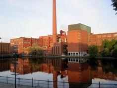 Takon tehdas, Anna Sirénin kuva Finland, Places To See, New York Skyline, Anna, Industrial, Country, City, Travel, History