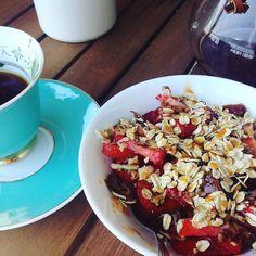 #dessert #strawberries #glutenfree #oatmeal #buckwheat #honey #dates #nuts #chemex #coffee http://ift.tt/1U25kLY