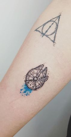Millenium Falcon Tattoo star wars tattoo, millenium falcon, millenium falcon tattoo, nerd tattoo, gYou can find Nerd tattoos and more on our we. Star Wars Tattoo, Tattoo Geek, War Tattoo, Piercing Tattoo, Uñas Star Wars, Regalos Star Wars, Star Wars Wallpaper Iphone, Falcon Tattoo, Cuadros Star Wars