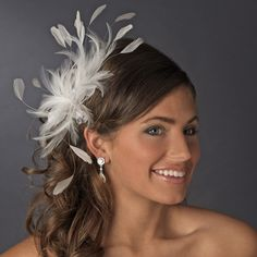 Comb as a hair accessory - nice accessory for every hairstyle, feder-haar-kamm-hochzeit-lachende-frau, Wedding Guest Hairstyles, Fancy Hairstyles, Feathered Hairstyles, Scarf Hairstyles, Wedding Fascinators, Headpiece Wedding, Bridal Headpieces, Hair Fascinators, Bridal Comb