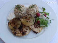 Dnešný recept je inšpiráciou, ako sa dá navariť chutné a zároveň zdravé jedlo. Môj otec vyrástol na tradičnej  slovenskej kuchyni. Keď ochutnal tento pečený zeler. ešte si pridal, ďalší :-)