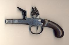 Pocket Flintlock Pistol, 15cm length overall, made in London.