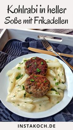 Kohlrabi vegetables in light sauce with meatballs - delicious cooking at home - simple recipe - Low Carb Recipes Low Calorie Recipes, Diet Recipes, Cooking Recipes, Healthy Recipes, Roasted Mediterranean Vegetables, Law Carb, Chou Rave, Cook At Home, Family Meals