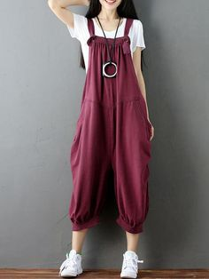 Discover unique trendy women's dungarees with EVA Trends, ranged among diverse shades of colors and styles, from Plain to Floral, from Town & Countr… – T-Shirts & Sweaters Modest Fashion, Fashion Outfits, Overalls Fashion, Swag Fashion, Fashion Hair, 80s Fashion, French Fashion, Fashion Trends, Fashion Tips