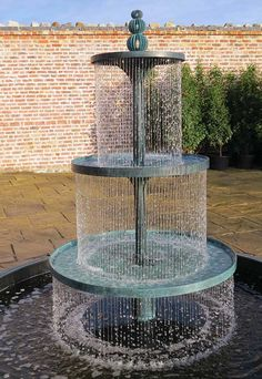 49 Garden Fountain Design Ideas That you Can Try in your Home Backyard Water Fountains, Concrete Fountains, Garden Water Fountains, Backyard Water Feature, Water Garden, Homemade Water Fountains, Outdoor Fountains, Fence Garden, Big Garden