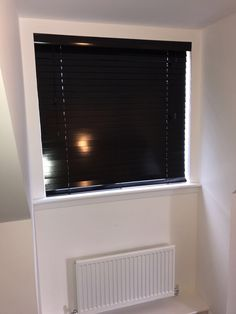 Quality venetian blinds at affordable price. Want to add a sense of style and natural warmth, add richness to any areas in your home get Venetian Blinds Venetian, Blinds, Home Appliances, Curtains, Home Decor, House Appliances, Jalousies, Kitchen Appliances, Blind