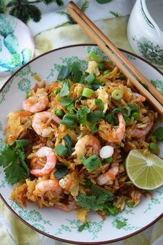 Smaskelismaskens: Fried rice med räkor Asian Recipes, Healthy Recipes, Shrimp Recipes For Dinner, Zeina, Food Goals, Fried Rice, Food Inspiration, Love Food, Food Porn