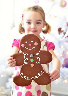 Jumbo Gingerbread Folk....recipe makes 7 gingerbread cookie people (the template they made fit on a 8 1/2 x 11 piece of paper for easy printing on cardstock)