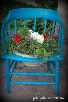 Painted Chair Planter | This was such a fun planter with all of the Americana decor that I had ...