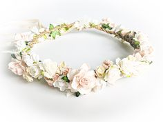 Flower wreath in cream for vintage wedding dress or boho style dress - Reich Boho Style Dresses, Balayage Hair Blonde, Boho Stil, Schmuck Design, Diy Hairstyles, Bridal Accessories, Beauty Women, Boho Fashion, Floral Wreath