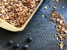 Crunchy Cinnamon Keto Granola {Grain-Free, Low Carb} - WickedStuffed Keto Blog