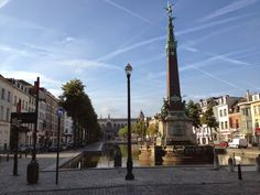 Running through the old harbor area of Brussels on a loop around the city: a great route!