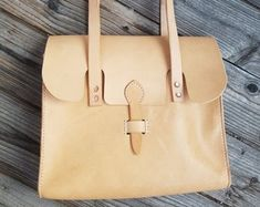 """Art of Leather,""""crafted by hand & heart"""" von ArtofLeatherAtelier Heart Hands, Leather Craft, Etsy, Tote Bag, Crafts, Bags, Shopping, Things To Do, Products"""