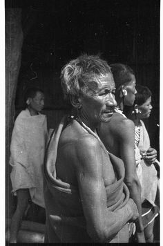 Old Naga man of Sagazumi village | par SOAS Digital Library