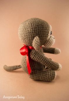 Meet a playful naughty monkey Bobo! Crochet your own little monkey with the help of our step-by-step Naughty Monkey Amigurumi Pattern! Crochet Monkey, Crochet Pig, Crochet Octopus, Cute Crochet, Crochet Dolls, Crochet Toys Patterns, Stuffed Toys Patterns, Free Monkey, Cute Squirrel