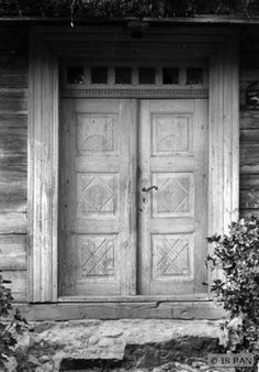 Nickelshagen, Hölzernes Bauernhaus - Tür im Hauseingang