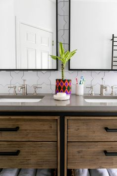 Entrepreneur Ali Hynek puts her guests first with two bathrooms that will leave you starstruck. Brick Tiles, Brick Flooring, Thin Brick, Fireclay Tile, White Bathroom Tiles, Mid Century Modern Kitchen, Guest Bathrooms, Glam Room, What's Your Style