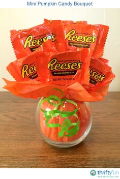 This is a guide about making a mini pumpkin candy bouquet. Make this cute candy bouquet to give as a gift or use as a holiday centerpiece. Fall Candy, Holiday Candy, Halloween Candy, Christmas Candy, Halloween Gifts, Holiday Crafts, Halloween Magic, Christmas Town, Halloween Recipe