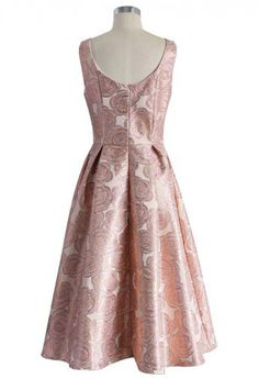 Fanciful Rose Intarsia Prom Dress in Pink - Prom Dress & Skirt - Trend and Style - Retro, Indie and Unique Fashion Fancy Prom Dresses, Vintage Dresses, Evening Dresses, Casual Dresses, Fashion Dresses, Special Occasion Dresses, Formal Chic, School Dresses, Midi Cocktail Dress