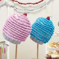 Cupcakes Galore Cap and Streamers Free Download Sizes: Preemie (Baby, Toddler, Child)