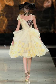 The Collections: Alexander McQueen Spring 2013 - Alexander McQueen - Zimbio