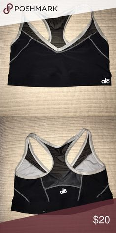 Alo Yoga full support sports bra NWOT love this bra just too small. Great support really comfortable. ALO Yoga Intimates & Sleepwear Bras