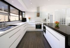 Google Image Result for http://www.alldomesticcabinets.com.au/images/stone-bench-tops.jpg