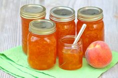 Classic Peach Jam – The Fountain Avenue Kitchen. Fountain Avenue Kitchen is a collection of quick, easy and healthy recipes aimed to fit crazy, hectic Jelly Recipes, Jam Recipes, Canning Recipes, Healthy Recipes, Canning Tips, Cooker Recipes, Delicious Recipes, Beef Recipes, Sauces