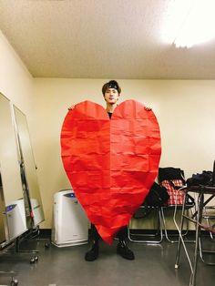 Jin ❤ [BTS Trans Tweet] 우아아 / Ooaahh (와아ㅏ - 잘생긴 하트) #BTS #방탄소년단