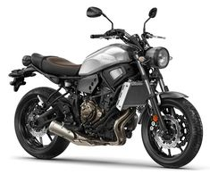 Cafe-inspired Yamaha is more than just a retro - RevZilla Love babes bike Motos Yamaha, Yamaha Motorcycles, Brat Bike, Scrambler Motorcycle, Motorcycle Style, Motorcycle Gear, Women Motorcycle, Yamaha Sport, Harley Davidson Street Glide
