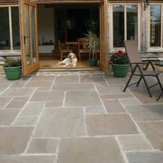 Pavestone Paving- Antique Sandstone Tudor - Oxford- not sure about this type of stone but interesting Patio Slabs, Concrete Patio, Limestone Patio, Slate Patio, Patio Stone, Paved Patio, Patio Tiles, Brick Pavers, Flagstone
