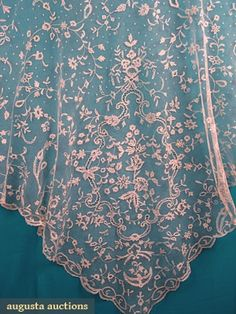 Augusta Auctions, May 2007 Vintage Clothing & Textile Auction, Lot 277: Brussels Applique Lace Veil, C. 1860