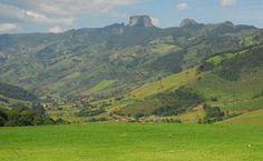 Heliponto da Pousado do Quilombo e Pedra do Baú ao fundo - Campos do Joradão-SP