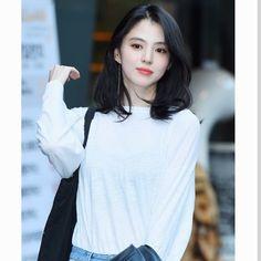 short shoulder length Han so hee Medium Straight Haircut, Medium Hair Cuts, Medium Hair Styles, Curly Hair Styles, Haircut Medium, Korean Hairstyles Women, Redhead Hairstyles, Asian Hairstyles, Japanese Hairstyles
