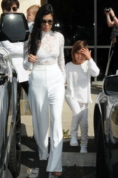 Kourtney Kardashian Photos - The Kardashian Heads to Church on Easter - Zimbio
