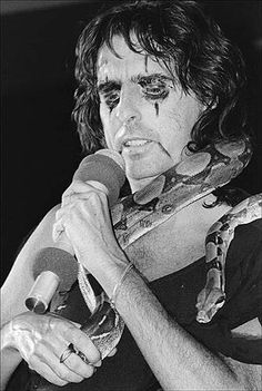 Alice Cooper performs July (Photo by Vernon Shibla/New York Post Archives / (c) NYP Holdings Inc. Rock And Roll Bands, Rock N Roll, Judas Priest, Alice Cooper, Rock Design, New York Post, Van Halen, Led Zeppelin, Classic Rock