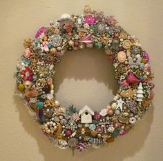 Ms Bingles Vintage Christmas - Vintage Jewelry Wreath – this would be such a great project to make if I could find the vintage j - Jeweled Christmas Trees, Christmas Wreaths, Christmas Crafts, Christmas Ornaments, Christmas Villages, Vintage Jewelry Crafts, Vintage Costume Jewelry, Jewelry Tree, Old Jewelry