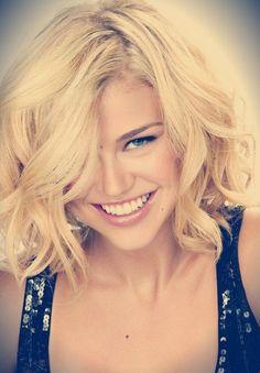kapsels 2014 -korte kapsels 2015 - haarkleuren - communiekapsels - bruidskapsels - online shoppen - http://www.glamourista.nl/blog/2014/06/blonde-kapsels-en-hippe-haarkleuren/