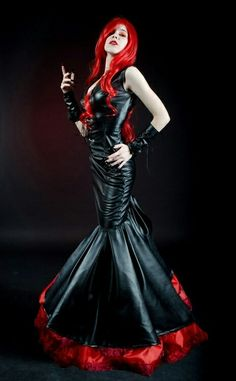 Top Gothic Fashion Tips To Keep You In Style. As trends change, and you age, be willing to alter your style so that you can always look your best. Consistently using good gothic fashion sense can help Vintage Goth, Goth Beauty, Dark Beauty, Sexy Outfits, Fashion Outfits, Fashion Tips, Fashion Clothes, Style Fashion, Fashion Ideas